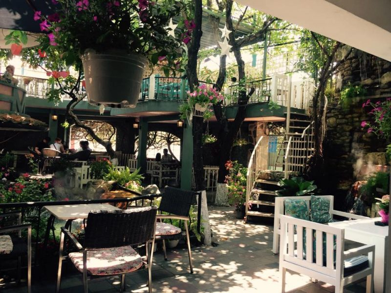 quán cà phê hoa ở Sài Gòn
